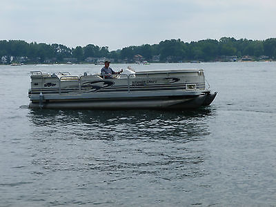 1998 SMOKERCRAFT PONTOON BOAT 22 FT. 35 HP Johnson Motor (No Trailer)