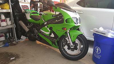 Kawasaki : Ninja 2001 zx 7 r mint condition