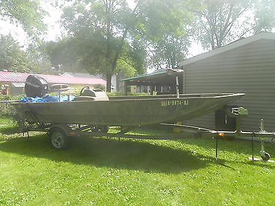 2012 Grizzly 1754SC Tracker flat bottom aluminum boat