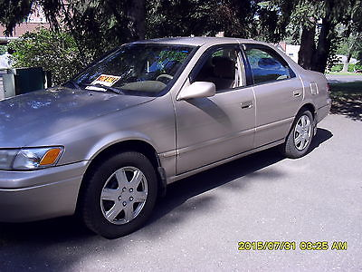 Toyota : Camry LE Sedan 4-Door 1998 toyota camry le 4 dr sedan v 6 automatic tan in good running condition