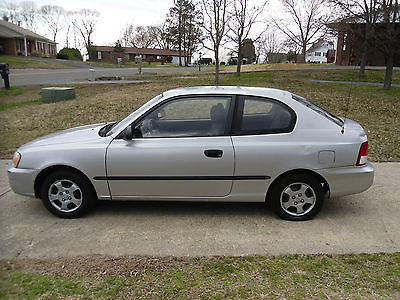 Hyundai : Accent L Hatchback 3-Door Maryland Inspected 2002 Hyundai Accent L (30 Day Tag Included)