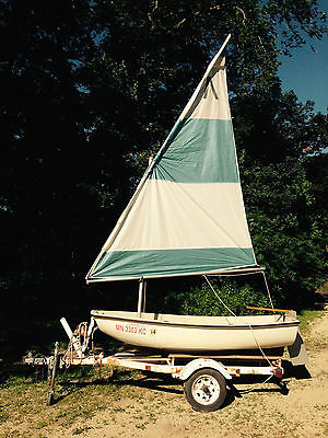 Boston Whaler Squall 9' sailboat / dinghy with 2 ½ hp motor and trailer
