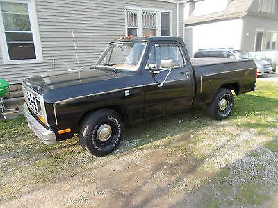 Dodge : Ram 1500 pickup 1985 dodge shortbed