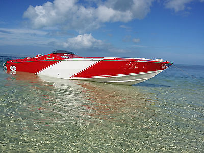 CIGARETTE POWER BOAT