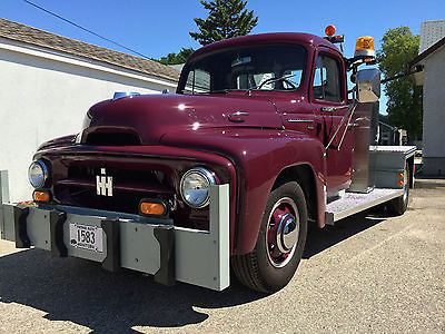 International Harvester : Other Tow Truck 1953 ih series r 120 3 4 ton tow truck fully restored silver diamond six