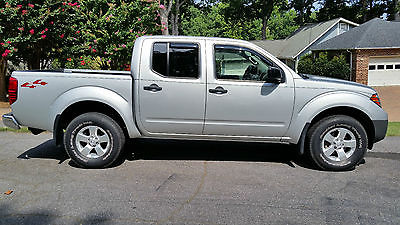Nissan : Frontier S Crew Cab Pickup 4-Door 4 x 4 crew cab 25 k orig mi clean nc title carfax 4.0 6 cyl auto 2 owner perfect