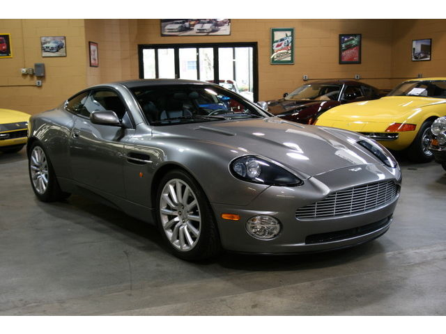 Aston Martin : Vanquish 2dr Cpe **ONLY 5,200 MILES FROM NEW **COLLECTOR OWNED-EXCELLENT IN EVERY WAY**