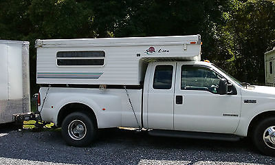 1998 Sun-Lite Eagle Wardrobe pop-up truck camper