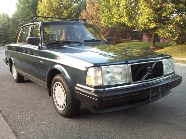 93 Volvo 240 Low Miles, Outstanding 1993