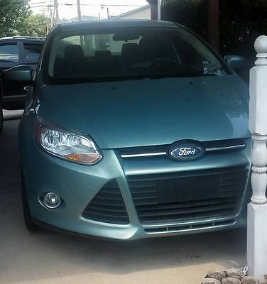 Ford : Focus SE Sedan 4-Door light green, excellent condition, sedan, low mileage, one owner