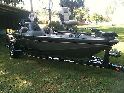2007 Tracker Tournament V18 Bass Boat