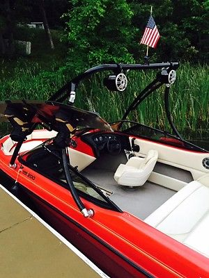 Bryant Wakeboard Boat- V8, 5.0L W/many extras