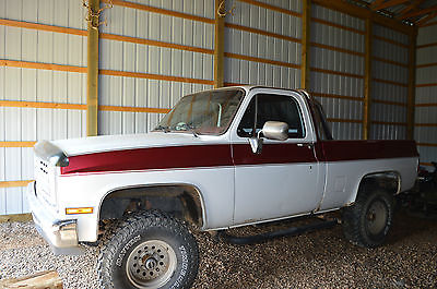 Chevrolet : C/K Pickup 1500 K10 4 x 4 white red lifted