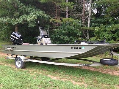 2011 Tracker 1860 Grizzly Boat with Center Console
