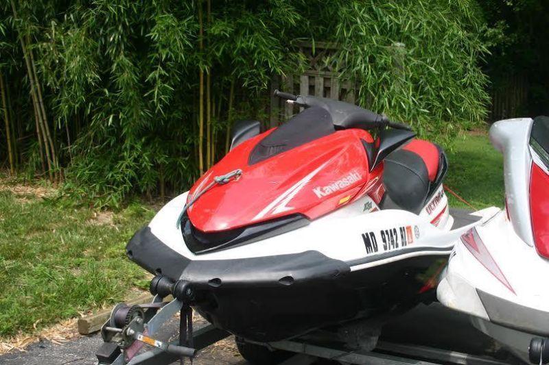10' 2008 Kawasaki JT1500C8F