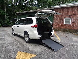 Toyota : Sienna handicap wheelchair accessible van 2012 white handicap wheelchair accessible van rear entry sienna