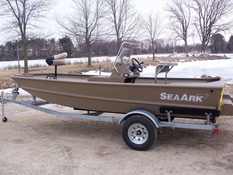 Sea ark boats for sale in juneau wisconsin for Outboard motors for sale in wisconsin