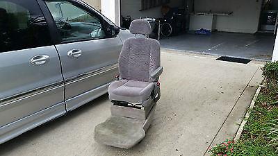 Ford : Windstar SE Ford Windstar Handicap full size mini-van