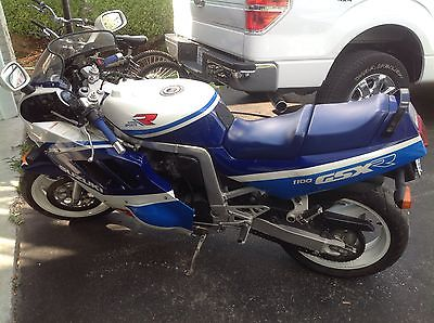Suzuki : GSX-R Attention Motorcycle Collectors - Very Rare 1989 1100 GSX-R Slingshot - 1 owner