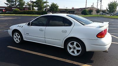 Oldsmobile : Alero GLS Sedan 4-door 2000 oldsmobile alero gls sedan 4 door 2.4 l comes with 20 white rims dual 15