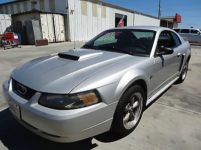 Ford : Mustang Premium 2001 ford mustang gt premium coupe 2 door 4.6 l