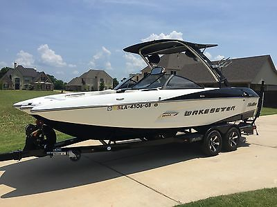 2014 Malibu 22MXZ WakeSetter Like new garage kept 65 hours Wet Sounds