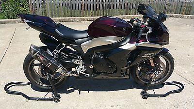 Suzuki : GSX-R Suzuki GSXR 1000 Adult Driven Excellent Preowned Cond + Helmets + Stands *******