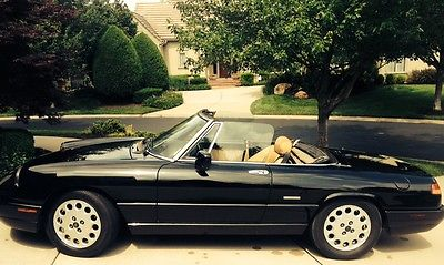 Alfa Romeo : Spider Veloce Beautiful, black convertible