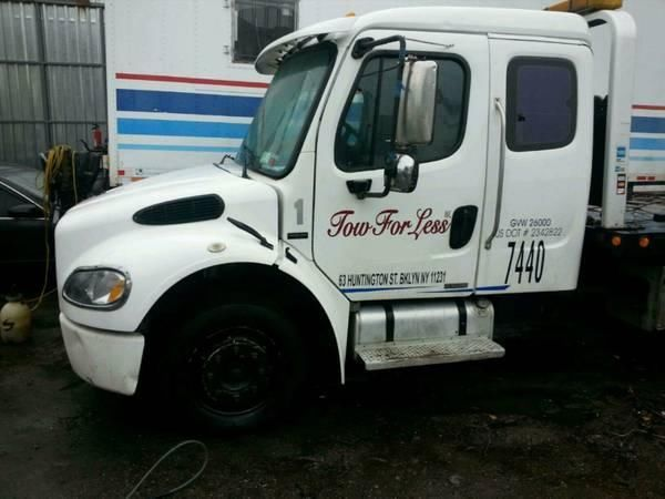 2005 Freightliner Flat Bed Tow Truck Extended cab 6 speed