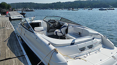 26 FOOT REGAL SPORT BOAT ONLY  28 HOURS W CUDDY CABIN IN NEW CONDITION
