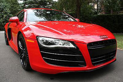 Audi : R8 V10 Plus 2011 audi r 8 custom 2 door coupe 5.2 liter v 10 plus quattro 9 100 miles