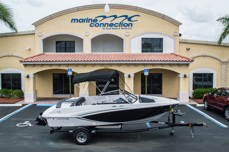 2014 Glastron 185 Bowrider Boat Combines Performance & Family Friendly!!