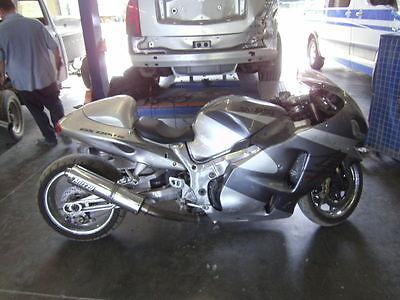 Suzuki : Hayabusa 2003 suzuki hayabusa motorcycle stretched out for racing