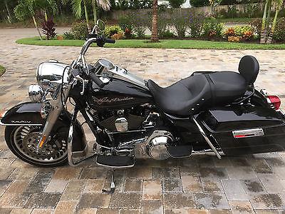 Harley-Davidson : Touring Harley Davidson Road King