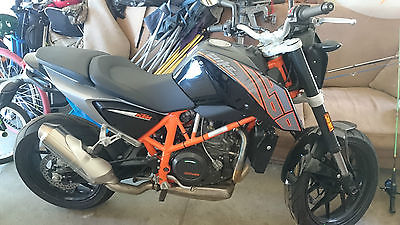 KTM : Other 2014 ktm duke 690 motorcycle like new