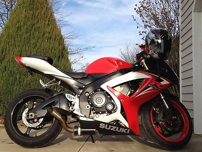 Suzuki : GSX-R 2007 suzuki gsxr 600 new stator battery chain and sprockets extras reduced