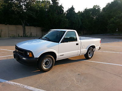Chevrolet : S-10 STANDARD CAB S10 TRUCK 1994 chevrolet s 10 truck runs great clean texas title 4 cylinder manual transmiss