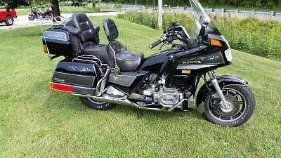 Honda : Gold Wing 1987 honda gold wing aspencade 85 720 miles with rider back rest