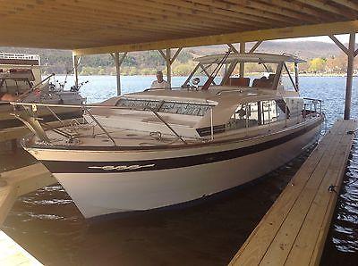 Chris craft constellation 30 wood boat cruiser dual gas 350 motors cabin cruiser