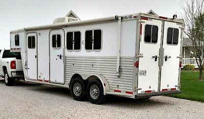 2004 Featherlite Model # 3546 Horse Trailer