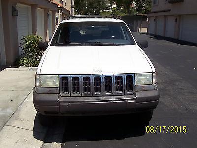 Jeep : Grand Cherokee Gray  1996 jeep grand cherokee white good condition new battery alternator tires