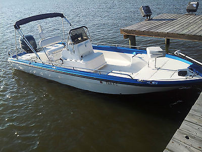 23' Polar with Yamaha 225 hp 4 Stroke Outboard Center Console Bay Boat