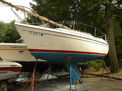 1976 O'Day 25 Sailboat with Evinrude 9.9 outboard fixed keel full sails clean