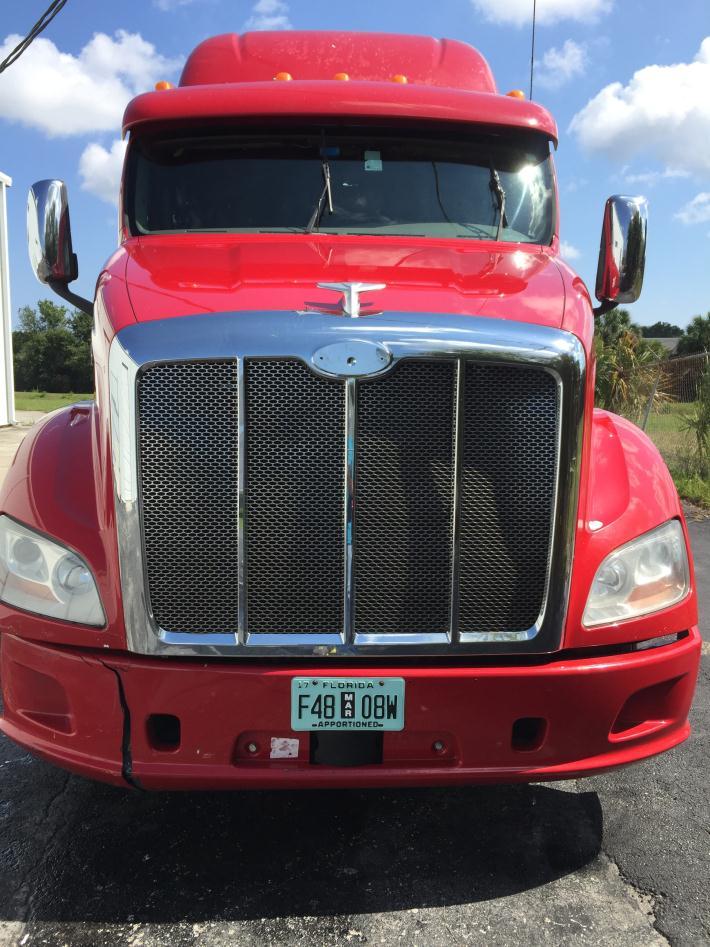 2012 Peterbilt 587 Tractor