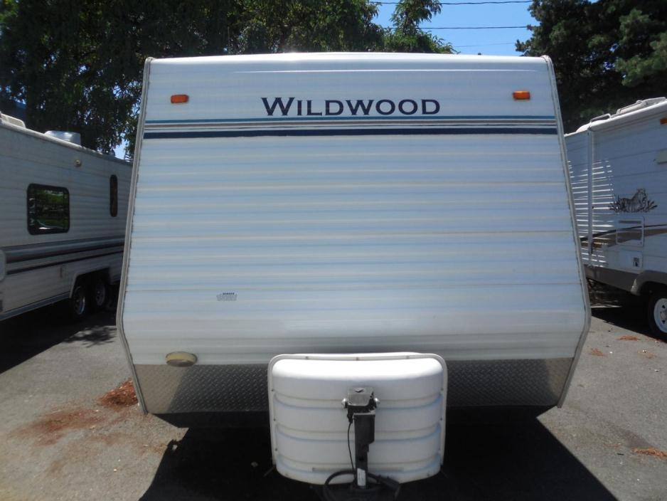 2005 Forest River Wildwood T19