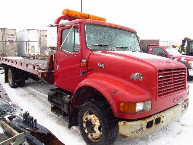 1999 International 4700  Rollback Tow Truck