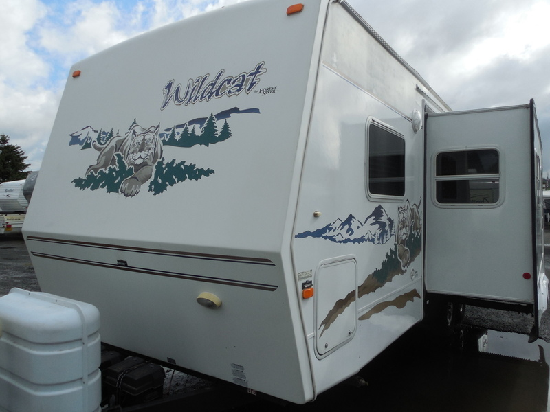 2006 Forest River Wildcat 26 FBS