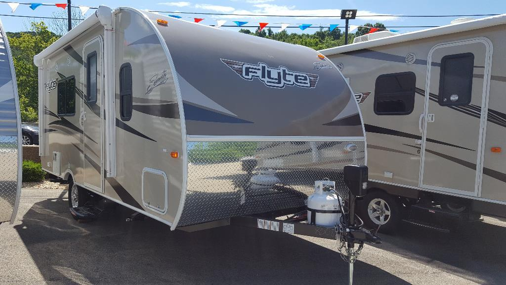 2017 Forest River Shasta 185 FQ