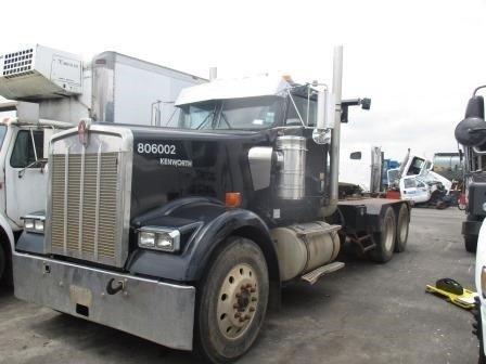 2006 Kenworth W900  Fuel Truck - Lube Truck
