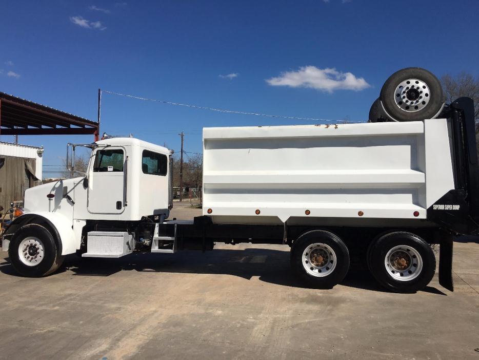 2005 Peterbilt 365  Dump Truck